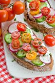 Whole Wheat Bread With Vegetables