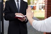 Jehovah's Witness Wants To Evangelize