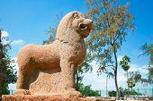 Постер, плакат: Огромные скульптор Лев деталь пяти ратхах temle в Mamallapuram Тамилнад Индия