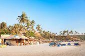 Vista panorâmica da bela praia de Vagator tropical, Goa, Índia