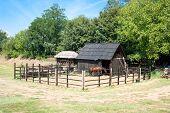 Establo del caballo en vilaage farm, Reino Plana, Serbia
