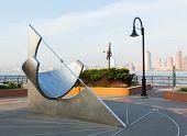 Equatoriale zonnewijzer op Jersey City uitwisseling plaats