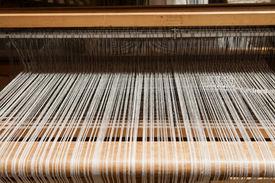 image of handloom  - Hand loom in front view  - JPG