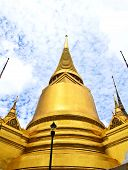 pic of tantric  - A golden pagoda Grand Palace in Bangkok  - JPG