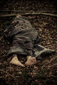 Постер, плакат: Murder Victim Lying Covered In Sheets