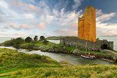Kilcoe Schloss an der Küste von co. Cork, Irland