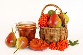 Pear and rowan berries jam