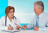 Lindo médico e seu paciente