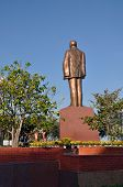 picture of communist symbol  - The statue of  Ho Chi Minh  - JPG