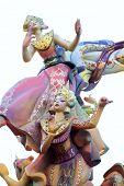 Fallas de Valencia, celebración típica de España con coloridas figuras divertidos dibujos animados