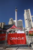 San Francisco, Ca, 01 de octubre de 2012 - Oracle Openworld Conferencia zona en Union Square en 01 de octubre de 2012 en
