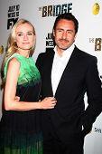 LOS ANGELES - 8 de JUL: Diane Kruger, Demian Bichir chega ao