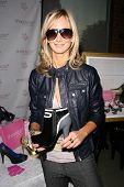 Victoria Hervey at an AMA Gifting Suite by ShoeDazzle.com, Gibson Guitars, Beverly Hills, CA 11-21-08