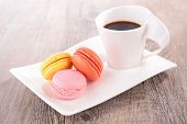 coffee cup and macaroon