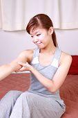 self arm massage