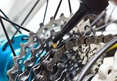 pic of mountain chain  - lubricate mountain bike chain and cassette with oil - JPG