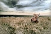 Постер, плакат: Пляж с выступающий стул