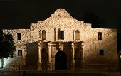the Alamo lit up at night in San Antonio Texas