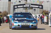 FORT WORTH, TX - 02 de NOV: The NASCAR Sprint Cup Series tomar a la pista para una sesión de práctica para