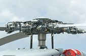 foto of military helicopter  - Rotor head of 4 - JPG