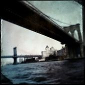 Instagram filtered style image of the Brooklyn and Manhattan Bridges