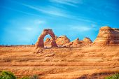 picture of arch  - famous Delicate Arch in Arches National Park - JPG