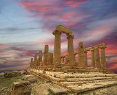 Antiga grega Templo de Juno (v-vi A.c.), Vale dos templos o, Agrigento, na Sicília. A área de W