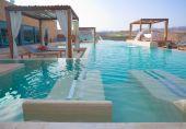 Luxury Outdoor Pool Spa
