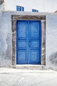 An image of a nice Santorini blue door