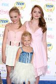 LOS ANGELES - AUG 10:  Alyvia Alyn Lind, Emily Alyn Lind, Natalie Alyn Lind at the 2014 Teen Choice