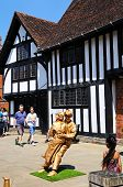 Living statues, Stratford-upon-Avon.