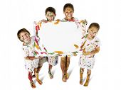 Crianças no Paint com sinal